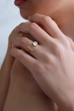 helena-ring-moonstone